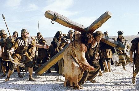 jesus-carries-the-cross
