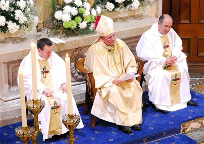 Bishop Tartaglia in the center