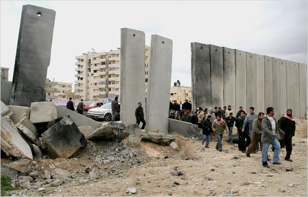 Hamas blew a whole in the Egyptian security fence in January 2008