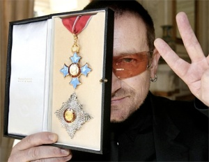 The U2 singer Bony accepter the Order of the British Empire in 2006