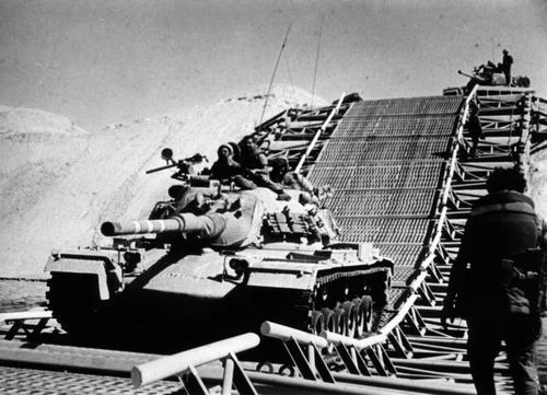 IDF ready to cross the Suez canal in 1973
