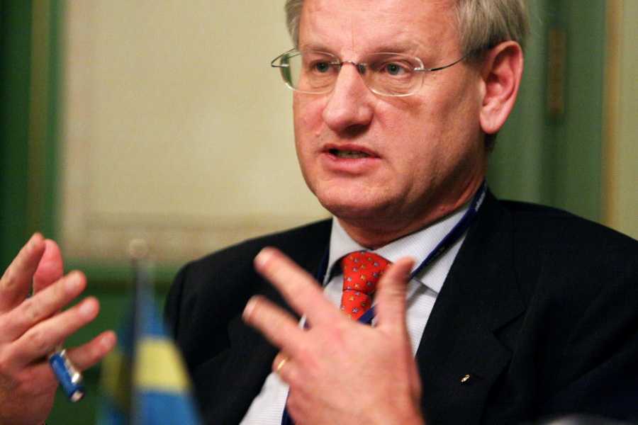 Foreign Minister of Sweden Carl Bildt has blood on his hands from Sri Lanka