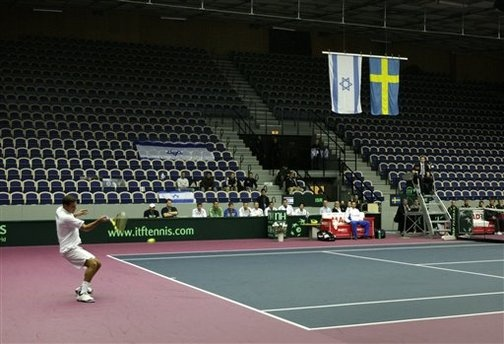 A shame for a free and democratic nation. A tennis stadion closes for people, on demand from Radical Islam