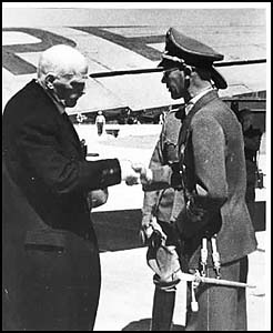 """Knut Hamsun being greeted by Josef Terboven, the brutal """"Reichskommissar"""" in charge of Norway"""