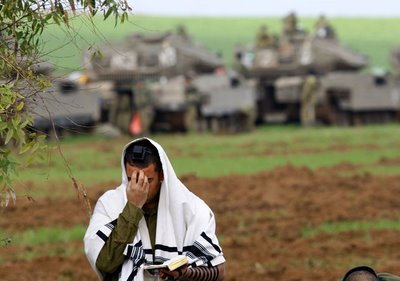An Israeli tank commander prayer to God of Israel tp help him avoiding killing innocent people in the battlefield for Israels survival.
