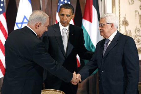 Its not possible to make a just peace in the Middle East by pushing Israel to accept all the lies of Islam. Here Obama, Abbas and Netanyahu.