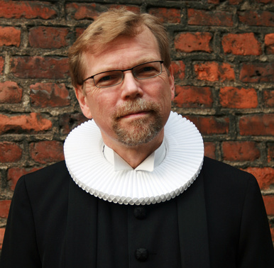 Danish Bishop candidate Kaj Bollman wants to expose the Danish Parliament to Islamic «blessings».