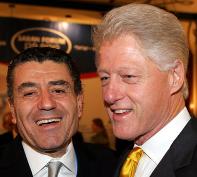 Israeli-American Haim Saban is well connected. Here with Bill Clinton.