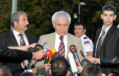 debate-over-turkish-televion-show-continues-2009-10-17_l