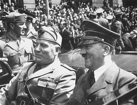 https://ivarfjeld.files.wordpress.com/2009/11/hitler30.jpg