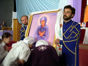 Catholic faithful deceived to kiss an image of Mary in Russia