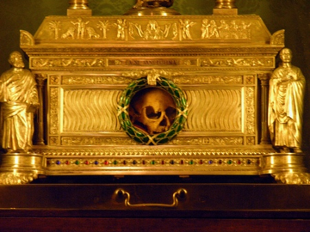 """Living in a box. This skull is supposed to be """"Holy"""", and is claimed to be of a woman named Agnes venerated in Rome it self."""