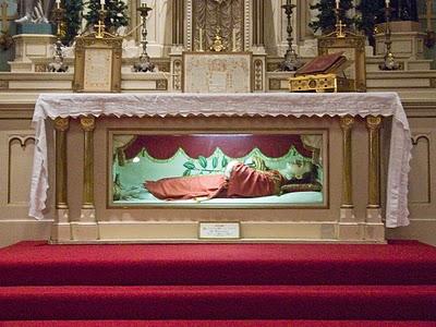 Old Saint Ferdinandu0027s Shrine In Florissant Missouri Have A 1740 Year Old  Saint Kept As A Wax Figure. Not Only Inside The Church, But Inside The  Altar It ...