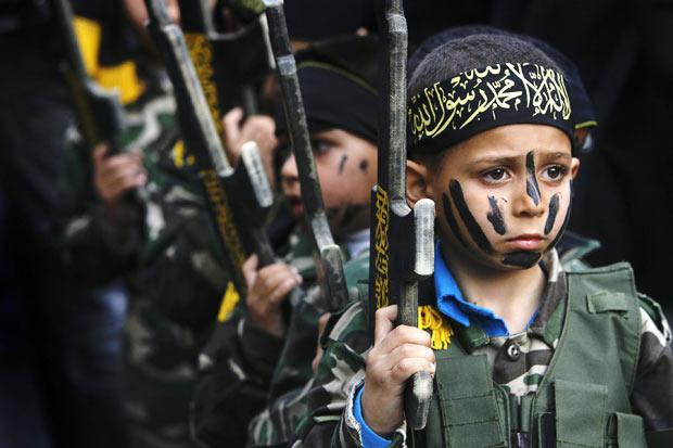 Hamas představil na Facebooku 5letého vojáka