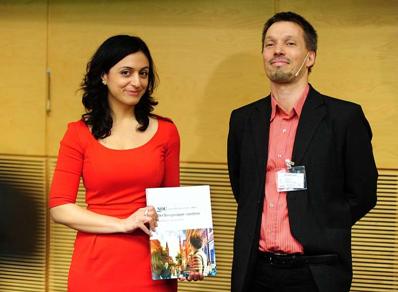 Hadija Tajik (Muslim) says no to Sharia laws in Norway, accepted by false Christian Sturla Stålset.