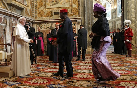 Freemasons of all colors and creeds, serve the papacy.