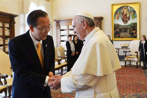 """The Secretary General of the UN hail the Pope as a """"spiritual leader"""" for the One World government."""