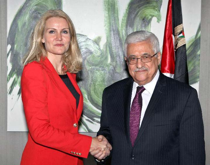 Helle Thorning is ready to give a Holocaust denier an Embassy in Copenhagen.