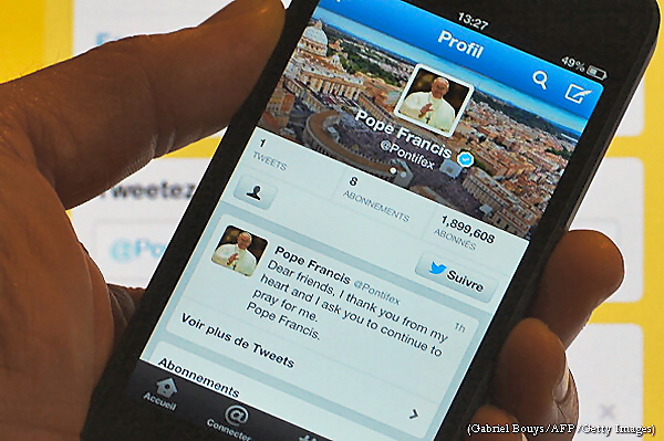 The Pope use twitter to deceive the elect, if possible.