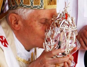 Pope Emritus worship the blood of John Paul II.