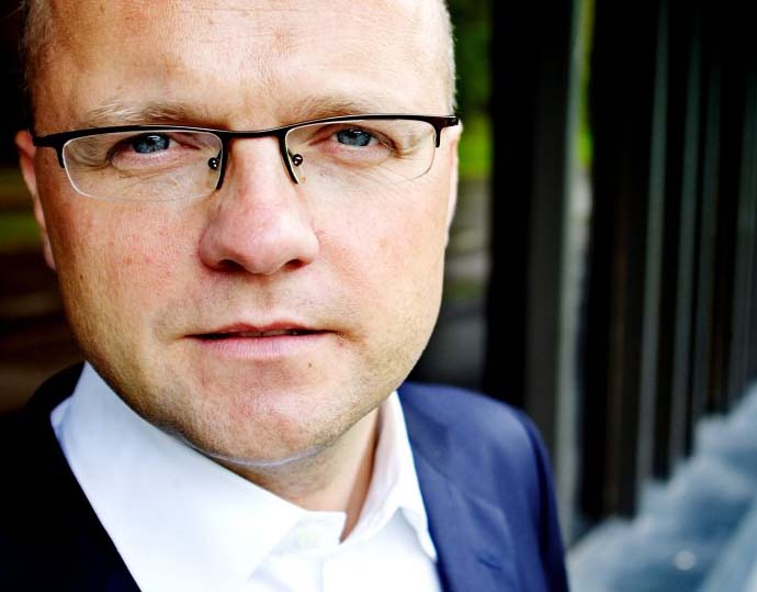 The new prime minister of Norway should quickly remove Vidar Helgesen from the cabinet.