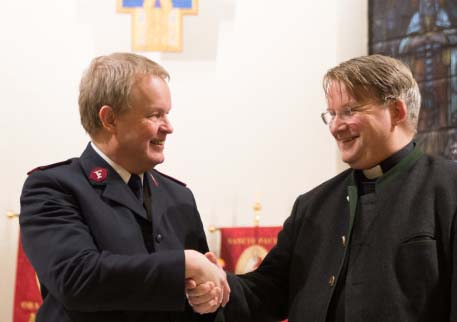 The salvation army chief in Bergen joins the forces of the antichrist in Rome.