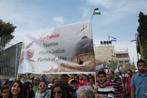 Muslims are permitted to protest in Jerusalem in favor of the Pope.