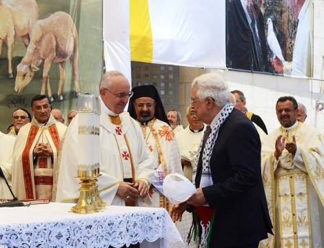 Abu Mazen attend Roman Catholic mas in Bethlehem.