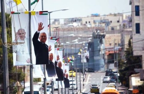 The Pope is welcomed in Bethlehem as a hero of the PLO.