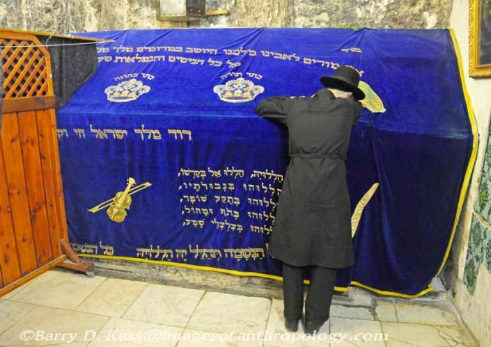 On Orthodox Jew is crying at the tomb of King David, soon to be controlled by the Vatican.