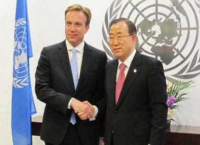 Norwegian Foreign Minister Børge Brende give blood money to Islamic terrorism, using Ban-Ki Moon and United Nations.