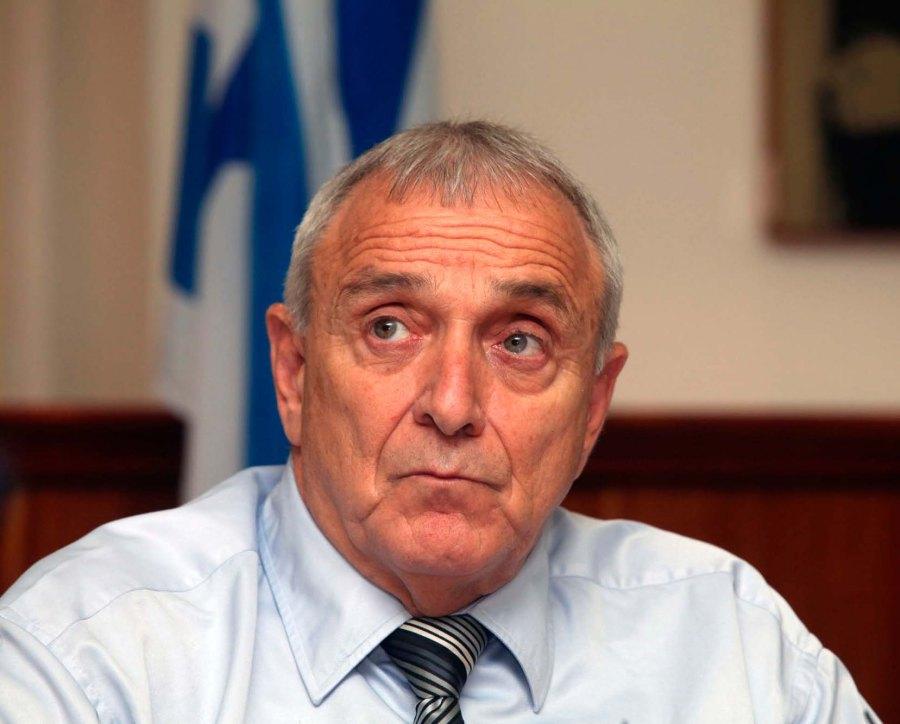 Yitzhak Aharonovitch considering deporting terrorists among Israeli Arabs to Gaza.