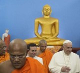 The Pope honor Buddha