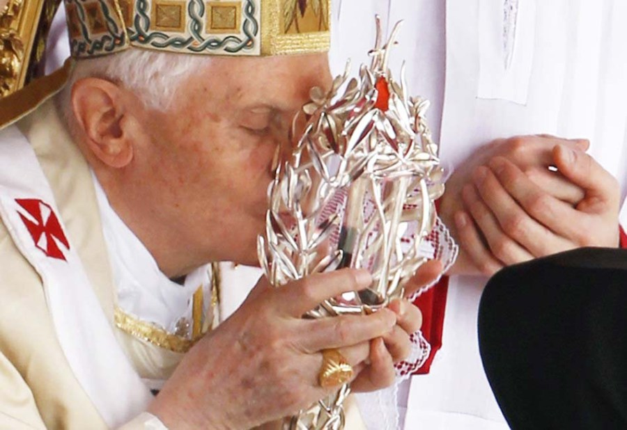 This is how the Pope apply the blood of a late Pope as a tool for his witchcraft.