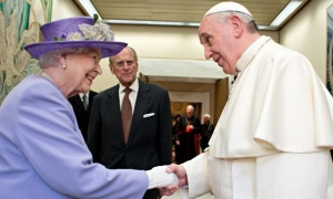 The Queen and the Pope seeks reunion.