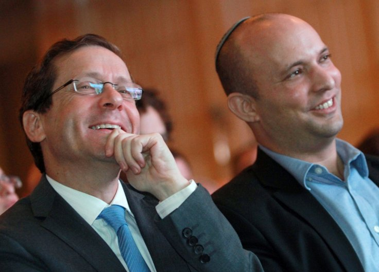 Will Benjamin Netanyahu chose Isaac Herzog or will he continue to work with Naftali Bennet?