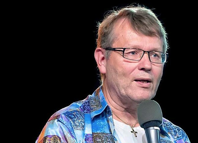 Pastor Stian Sørensen  wants to remove everthing Israeli from churches in Norway.