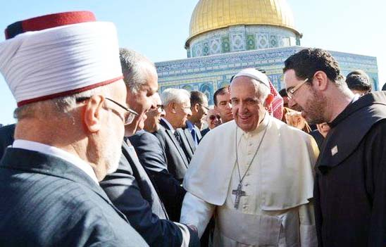The Pope pray with, support and induleg with the enemies of God of the Bible.