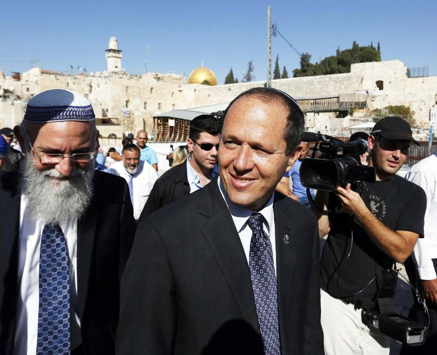 Jerusalem mayor Nir Barkat wants the police to shoot stone throwing Arab youth.