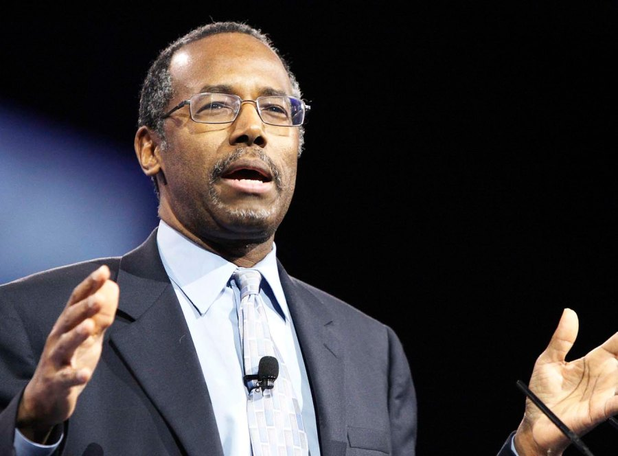 Ben Carson wants to ban Muslims form being in charge of the White House.