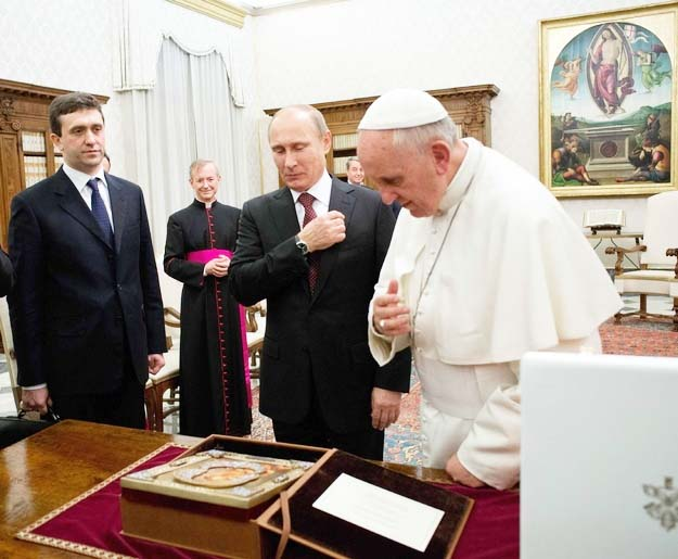 Putin brought the Catholic icon to please the Pope.