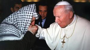 Yasser Arafat kiss the ring of the Pope, and accept the authority of the pontiff.