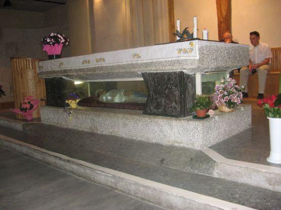 under-altar1